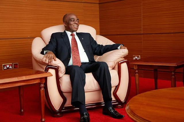 Billionaire Nigerian Pastor David Oyedepo 0 plane 01
